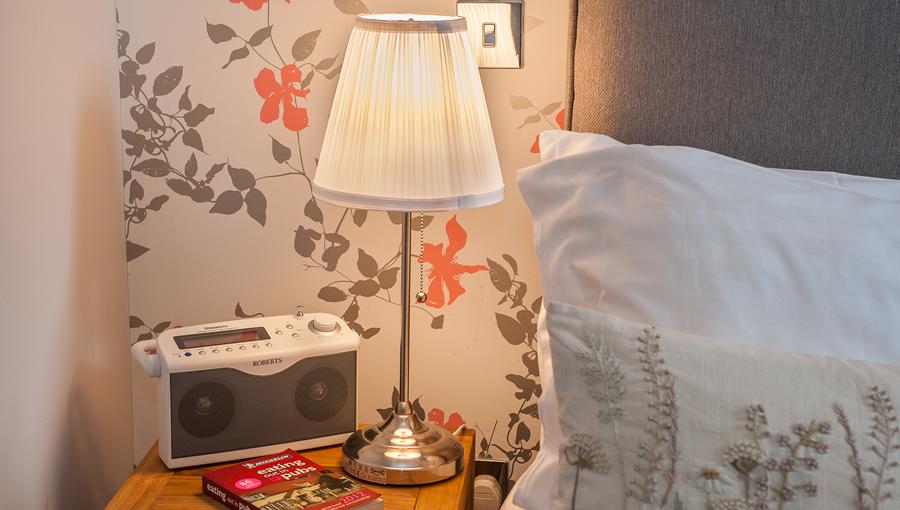 H&H_bedside_CR